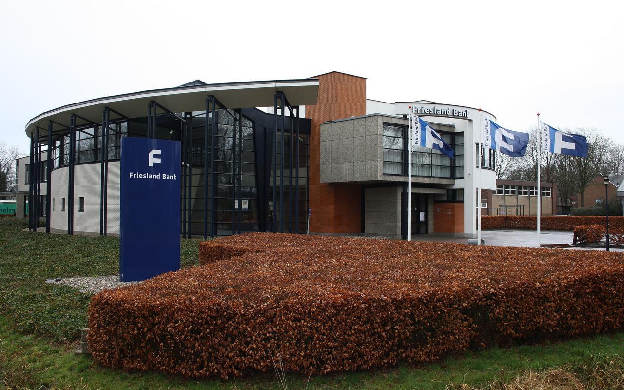 Friesland Bank, voorheen Bank Bercoop, verdween in 2013 uit Oldeberkoop.