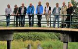 De Beekdalcommissie bekeek vanaf het water en vanaf een brug de vierde fase van de herinrichting. EIGEN FOTO