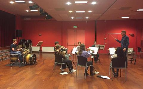 Het jeugdorkest kon in mei na een stop van vijf maanden eindelijk weer repeteren.